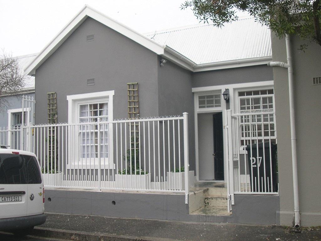 27 Robins Road, Observatory
