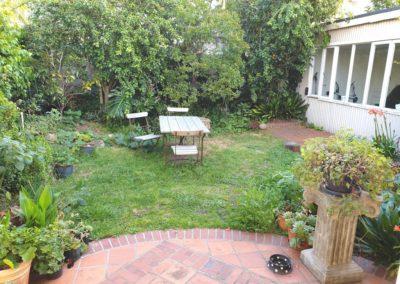 10 Wesley Guest-room garden