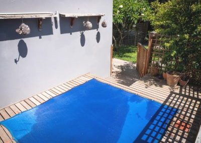 A0010pool with cover