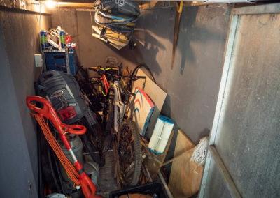 A0025storage shed