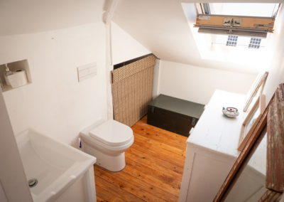 A0028upstairs toilet